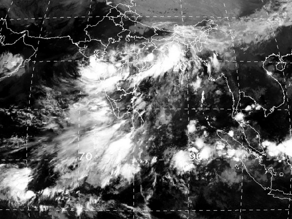 Severe thunderstorm over Mumbai and around as indicated by radar images and latest satellite image.