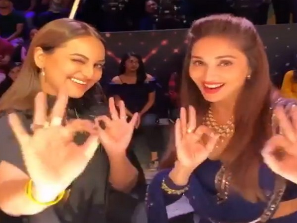 Madhuri Dixit wishes Sonakshi Sinha on her birthday (Image source: Twitter)