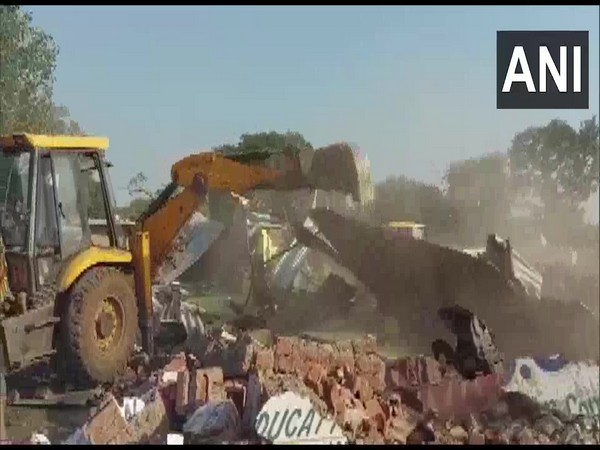 Gwalior District Administration demolishes illegal constructions at Hazira (Photo ANI)