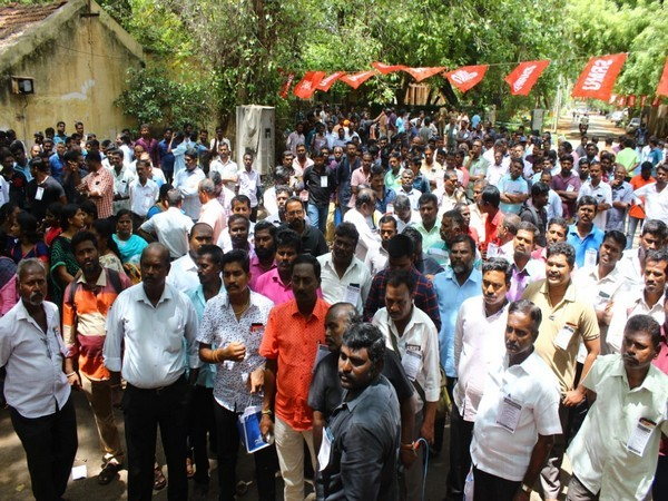 SRMU conducts demonstartion at Madurai railway junction