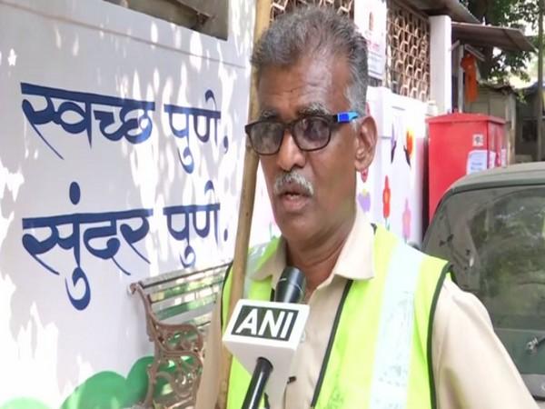 Mahadev Jadhav, Pune Municipal Corporation worker talking to ANI in Pune on Sunday. Photo/ANI
