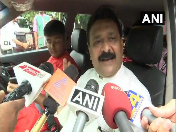 Congress leader Mahendra Singhi speaking with reporters after coming out of Sofitel hotel in Mumbai on Sunday.