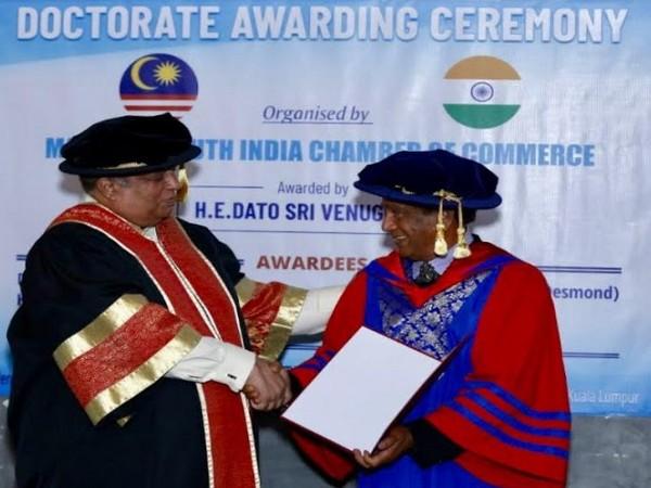 Dr Sailesh Lachu Hiranandani, Chairman (SRAM and MRAM Group) Dato Shri Venugopal (Malaysian South India Chamber of Commerce)
