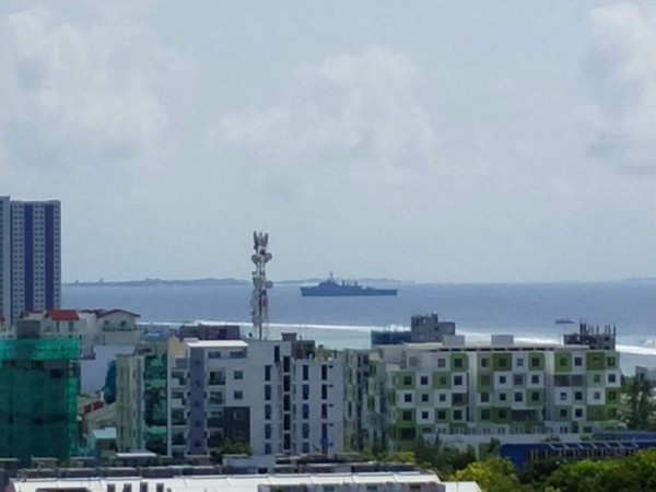 INS Jalashwa approaching Male port (Picture tweeted by High Commission of India in Maldives)