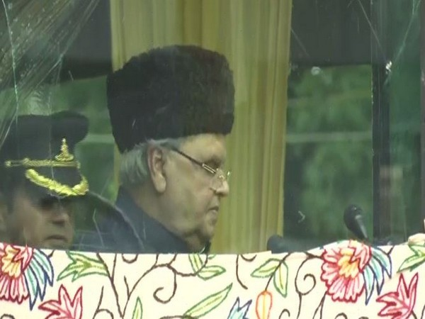 Jammu and Kashmir Governor Satya Pal Malik adressing a gathering in Srinagar on occassion of 73rd Independence Day on Thursday. (Photo/ANI)