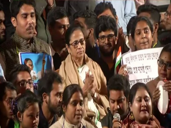 West Bengal CM Mamata Banerjee participated in a sit-in protest against CAA and NRC organised by Trinamool Chhatra Parishad on Saturday. Photo/ANI