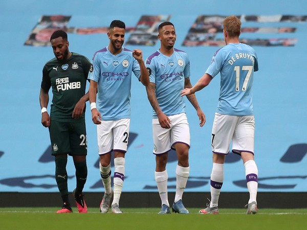 Manchester City players celebrating after scoring a goal. (Photo/Premier League Twitter)