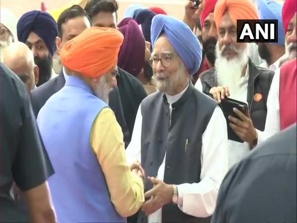 Former Prime Minister Manmohan Singh and Prime Minister Narendra Modi at Dera Baba Nanak in Punjab's Gurdaspur district on Saturday.