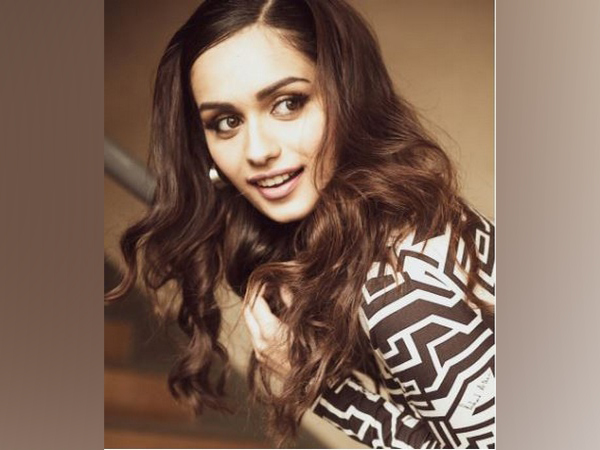 Manushi Chhillar to make her grand Bollywood debut in 'Prithviraj'