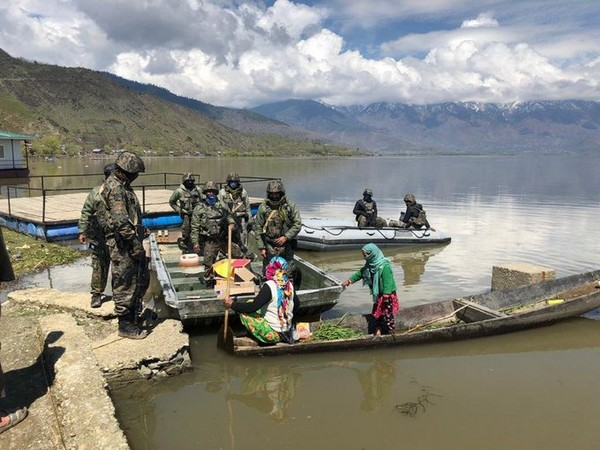 Indian Navy's MARCOS commandos reached out to the fishermen community at Wular Lake.