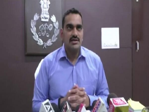 Anurag Arya, SP, Mau talking to media on July 10