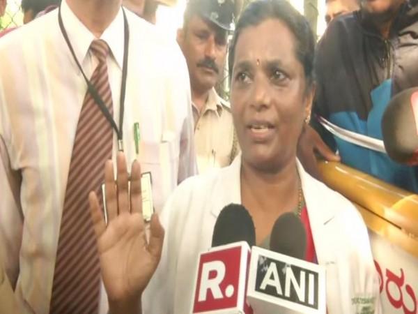 Wenlock Hospital Superintendent Dr Rajeshwari Devi speaking to reporters on Wednesday in Mangaluru. Photo/ANI