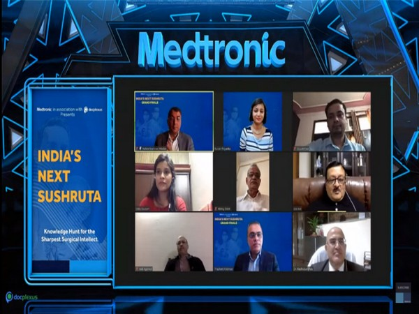 Winners of India's Next Sushruta with the Jury and Medtronic India Leadership