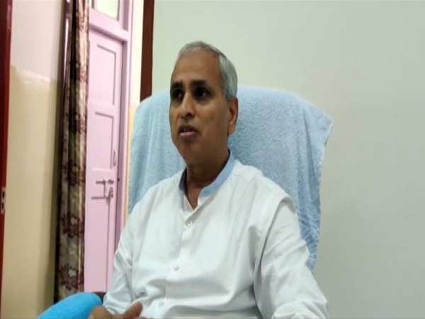 Hospital dean Dr DS Meena speaking to reporters in Jaipur on Friday. Photo/ANI