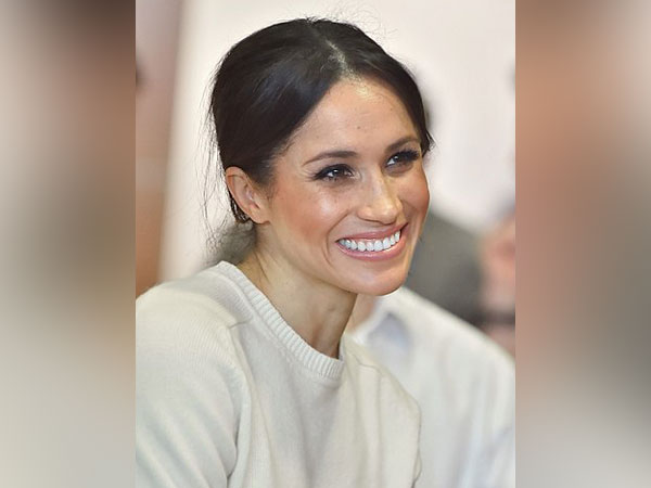 Meghan Markle's half-brother urges Queen to resolve their ...