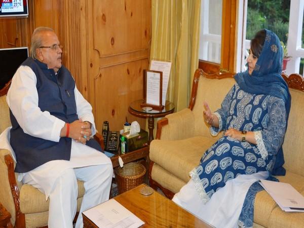 PDP chief Mehbooba Mufti on Tuesday met Governor Satya Pal Malik in Srinagar.