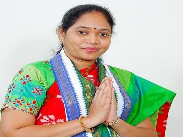 Andhra Pradesh Home Minister Mekathoti Sucharita's Twitter handle