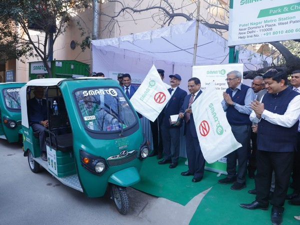 The fleet of 250 e-rickshaws was flagged off at Patel Nagar Metro Station in New Delhi on Wednesday. Photo/ANI