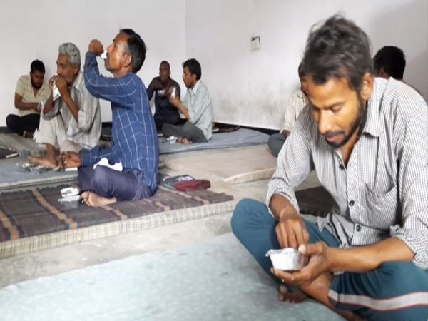 People at a shelter home in Aligarh. Photo/ANI