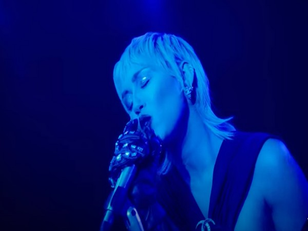 A still from the official music video of Midnight Sky featuring singer Miley Cyrus. (Image source: YouTube)
