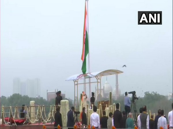 PM Narendra Modi hoists the national flag on the occasion of 74th Independence Day. [Photo/ANI]