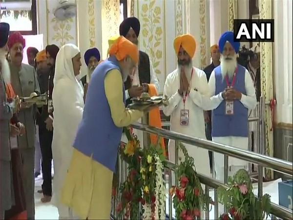 Prime Minister Narendra Modi at Ber Sahib Gurdwara in Sultanpur Lodhi, Punjab on Saturday.