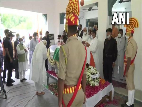 Prime Minister Narendra Modi paid his last respect to former UP CM Kalyan Singh. (Photo/ ANI)