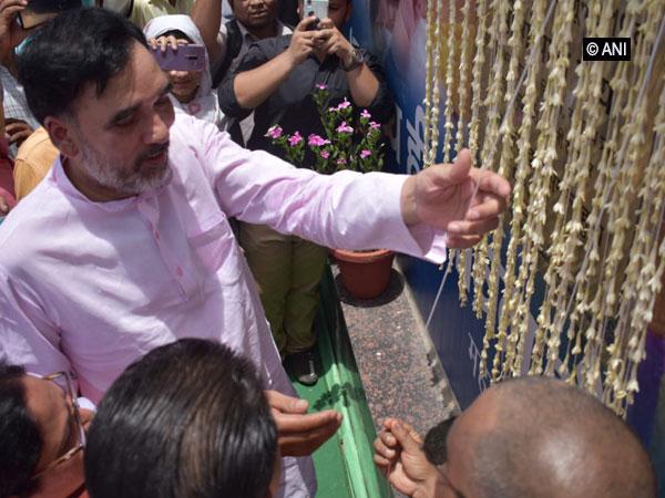 Labour Minister Gopal Rai inaugurating Mohalla Clinic in Badarpur. Photo/ANI