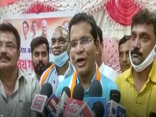 Chhattisgarh Congress chief Mohan Markam addressing reporters in Surguja (Photo/ANI)