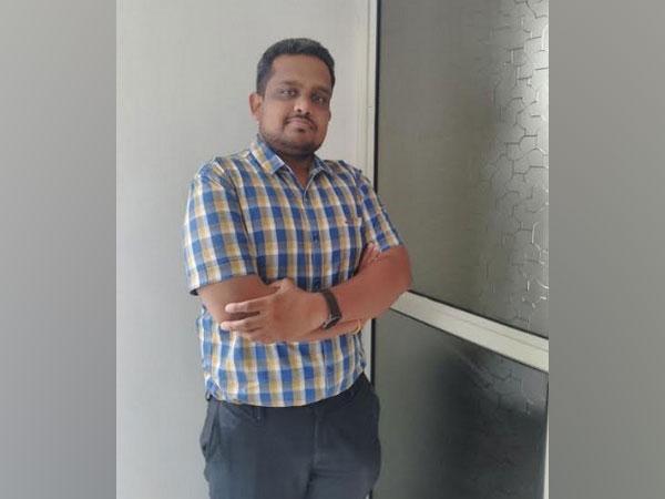 Mr._Hrishikesh_Deshmukh_Fou.jpg