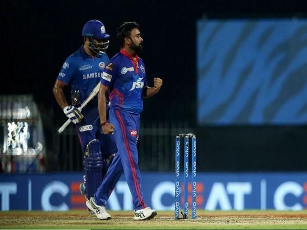 Amit Mishra celebrates after dismissing Rohit Sharma (Photo/ iplt20.com)