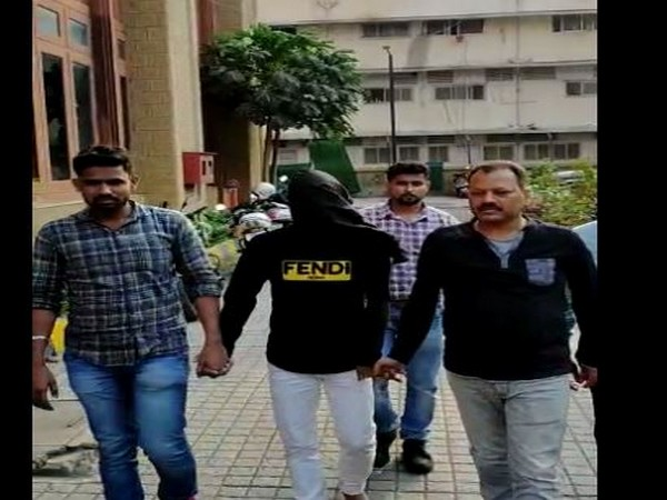 Mumbai Police Crime Branch on Sunday arrested a man with Fake Indian Currency Notes (FICN) worth over Rs 23 lakhs. Photo/ANI