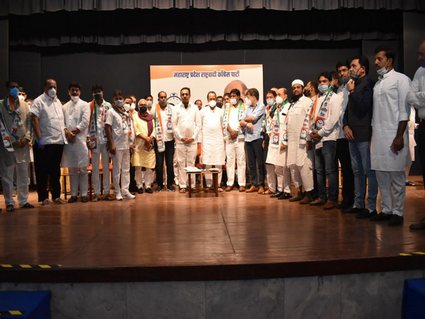 18 Congress corporators in the Bhiwandi-Nizampur Municipal Corporation in Thane district joined the Nationalist Congress Party (NCP) on Wednesday.
