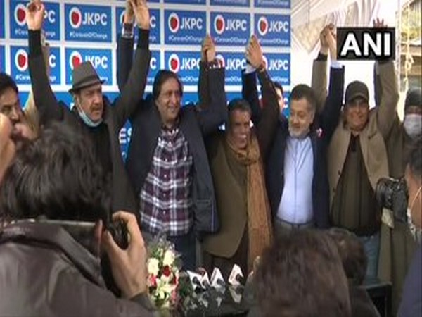 Former PDP leaders Khurshid Alam, Pir Mansoor and Syed Basharat Ahmed Bukhari on Monday joined the People's Conference