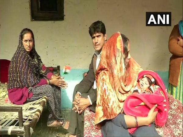 Pakistani Hindu refugee woman names her 2-day old daughter 'Nagarikta'
