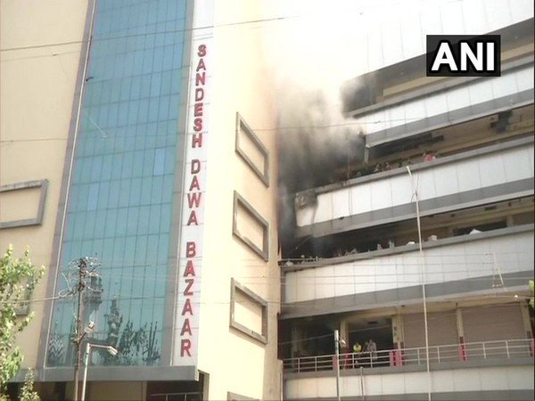 Visuals of the fire in Sandesh Dawa Bazaar building in Nagpur, Maharashtra