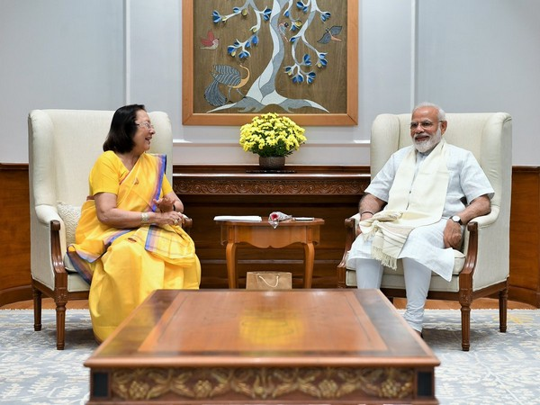 Governor Najma Heptulla meets Prime Minister Narendra Modi in New Delhi on Tuesday. (Source: Twitter)