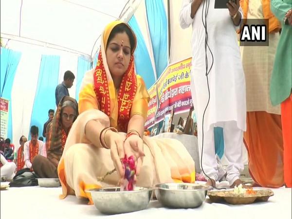 Nandita Mishra perform 'Trapan' of former Prime Minister Atal Bihari Vajpayee
