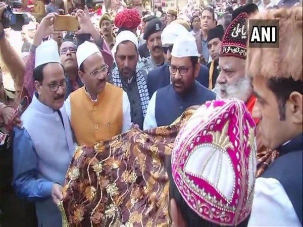 Union Minister for Minority Affairs Mukhtar Abbas Naqvi while offering a chaadar at Ajmer Sharif Dargah on the occasion of 807th Urs on Wednesday. (Photo/ANI)