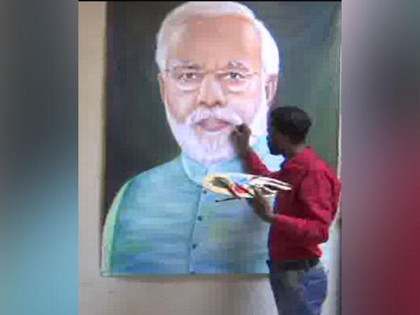 Oil painting of PM Narendra Modi made by Rubal. Photo/ANI