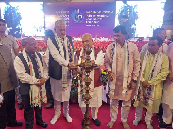 Union Minister Narenmdra Singh Tomar (middle) inaugrated first ever IICTF in Pragati Maidan, New Delhi. (Photo credit: Twitter)