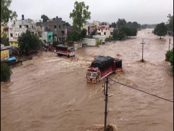 Heavy rainfall leads to flood-like situation in Nashik. Photo/ANI