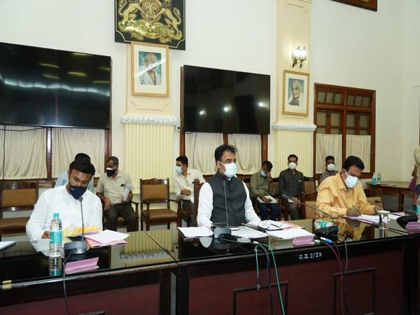 Karnataka Deputy Chief Minister Dr. C.N. Ashwatha Narayana addressing a press conference in Bengaluru. (Photo/ANI)