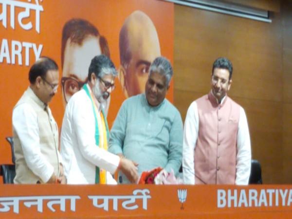 Former Samajwadi Party leader Neeraj Shekhar joined BJP on Tuesday