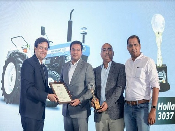 Award for the best tractor in 31-40 HP- New Holland 3037Tx