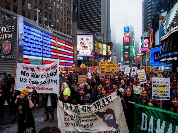 People in New York protesting over a potential US military action against Iran.