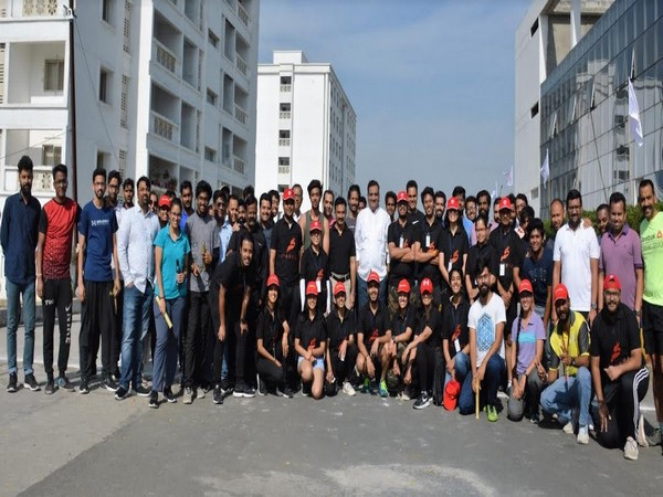 Avantika University Design & Engineering Students with Vice-Chancellor Dr. Prasheel Suryawanshi