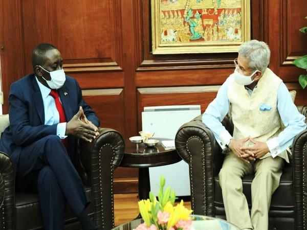 External Affairs Minister S Jaishankar receives Nigerian National Security Adviser Babagana Monguno (Twitter)