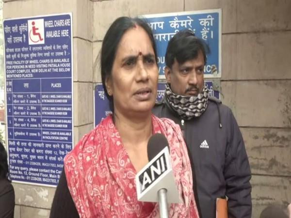 Nirbhaya's mother Asha Devi speaking to reporters in New Delhi on Monday. Photo/ANI