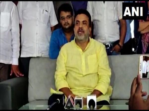 Senior Congress leader Sanjay Nirupam addressing a press conference in Maharashtra on Thursday. (ANI)